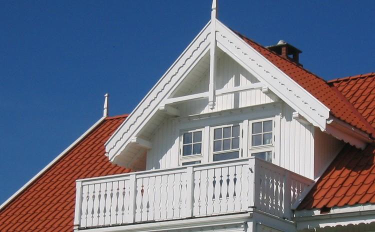 Villa med sveitserdetaljer